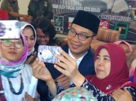 Ridwan Kamil Janji Perjuangkan Status Guru Honorer