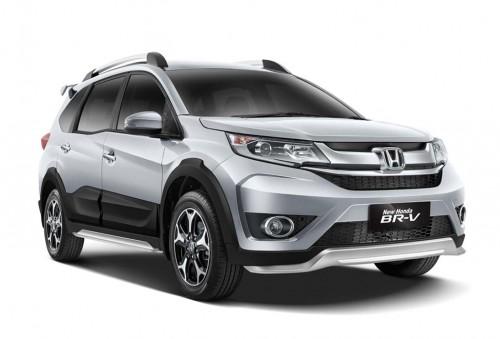 Honda BR-V dengan new door side garnish warna hitam. HPM