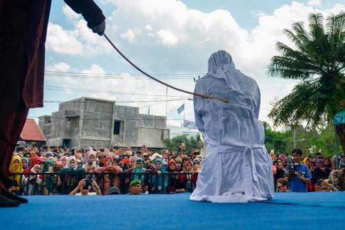 8 Pelanggar Syariat Islam Dicambuk, 2 di Antaranya PSK