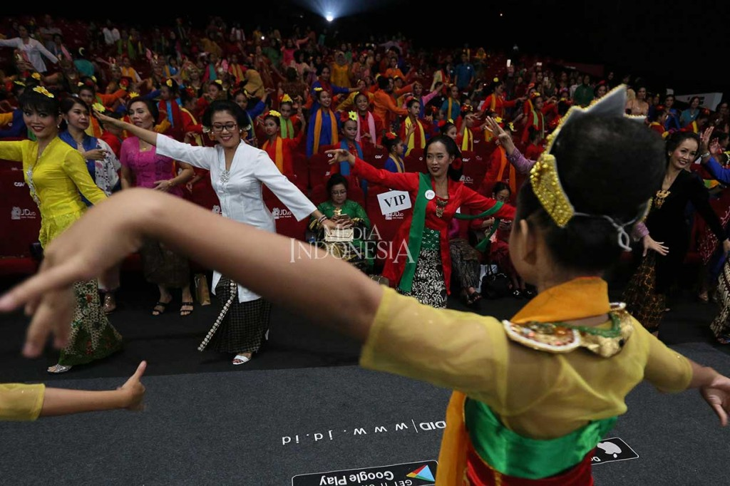 Flashmob Tari Peringati Hari Kartini