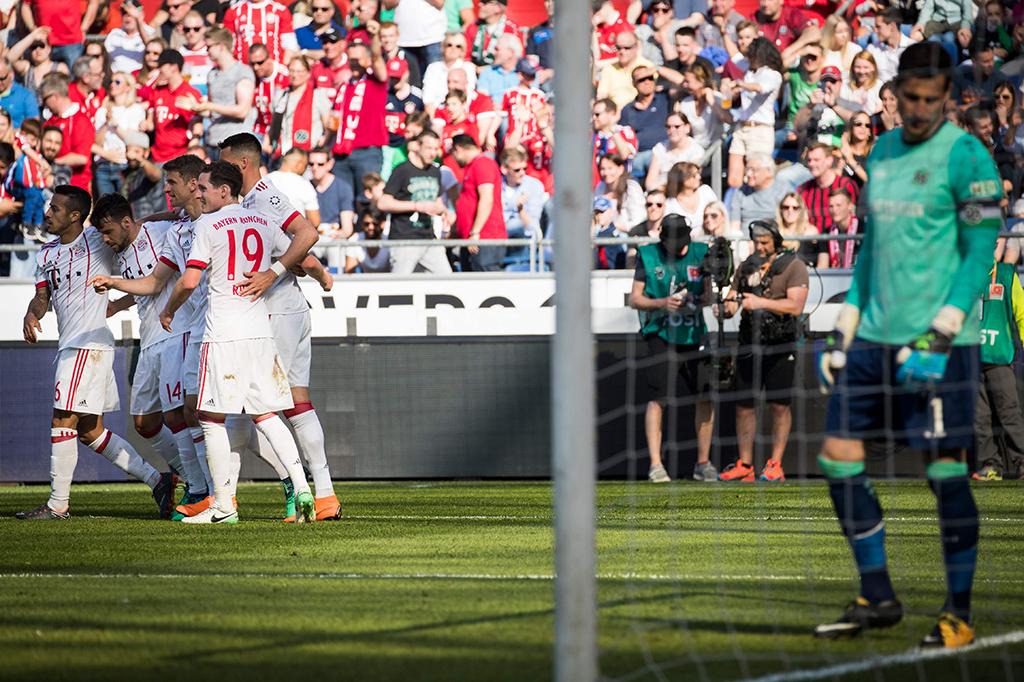 Bayern Muenchen Lumat Hannover 3-0