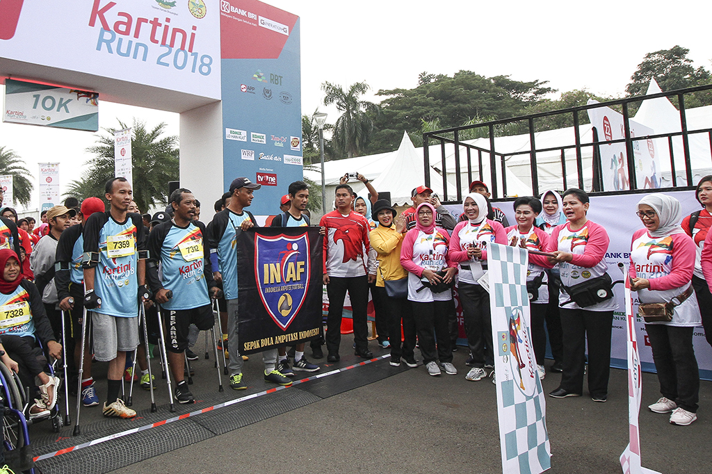 Iriana Jokowi dan Mufidah Kalla Lepas Kartini Run 2018