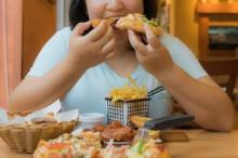 Dampak Buruk jika Anda Mengunyah Makanan Terlalu Cepat