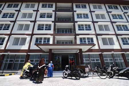 Fasad rumah susun Tambak Wedi, Surabaya, yang baru selesai dibangun. Pembangunan rumah susun sewa dan rumah susun hak milik murah oleh KemenPUPR merupakan bagian program 1 juta rumah. Antara Foto/Didik Suhartono
