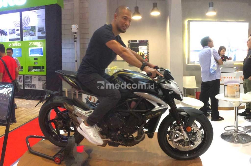 Penyanyi pop Indoensia, Marcell Siahaan punya trik tersendiri buat biker agar tetap tampil resik. medcom.id/Ahmad Garuda
