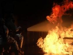 Gudang Penyimpanan Karet Hangus Terbakar