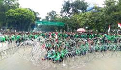 Ratusan Ojek <i>Online</i> Juga Demo di Palembang
