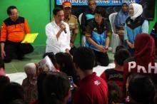 Jokowi Besarkan Hati Korban Gempa Banjarnegara