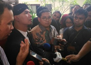 Fadli Zon Adu Prabowo vs Jokowi via Twitter