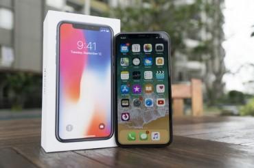 Apple Minta Samsung Turunkan Harga Layar OLED?