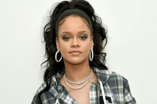 Rihanna Siap Rilis Dua Album Baru