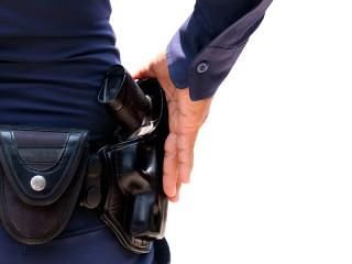 Polisi Gadungan Teror Warga dengan Pistol Mainan