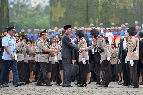 Jokowi Pimpin Apel Peringatan Hari Kartini