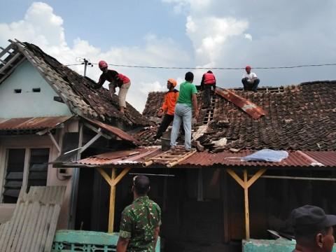 Korban Puting Beliung Cari Utangan Perbaiki Rumah