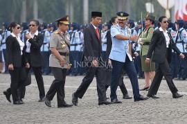 Paspampres Wanita Pengawal Jokowi Curi Perhatian