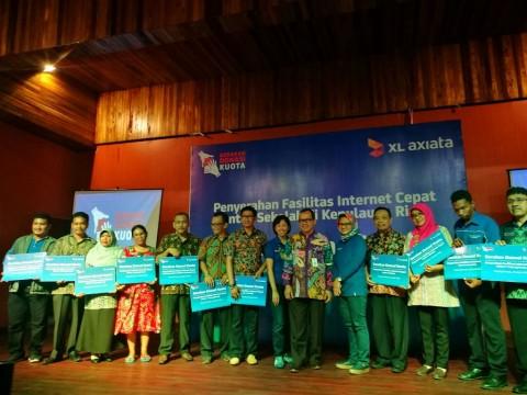 XL Axiata Sumbang Internet 240GB ke Sekolah di Kepulauan Riau