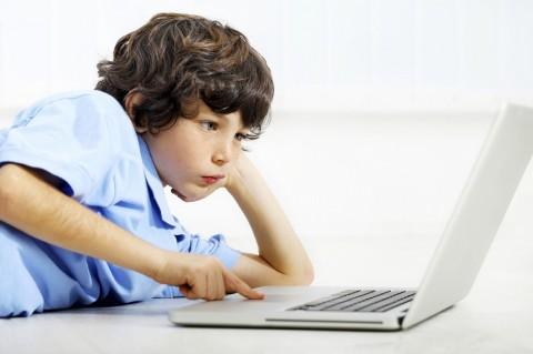 Batasi Waktu Berinternet tak Lindungi Anak dari Ancaman Online