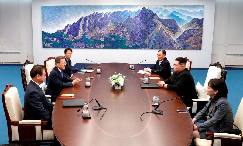 Pertemuan bersejarah antara Korea Selatan dan Korea Utara (Foto: AFP).