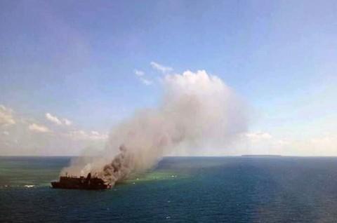 Kapal Kuala Mas Terbakar di Kepulauan Seribu