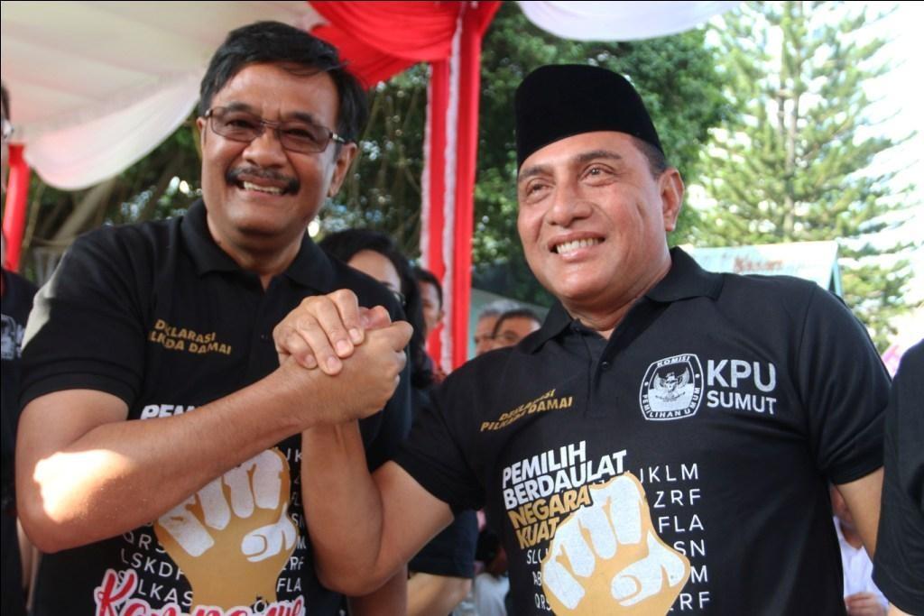 Calon gubernur Sumatra Utara nomor urut satu Edy Rahmayadi (kanan) dan dan calon gubernur Sumatra Utara nomor urut dua Djarot Saiful Hidayat - ANT/Irsan Mulyadi.