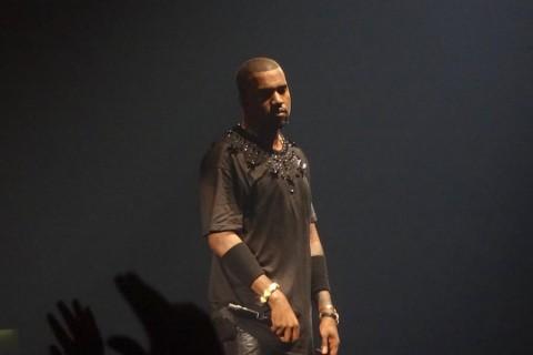 Artwork Album Terbaru Kanye West akan Tampilkan Foto Dokter Bedah Ibunya