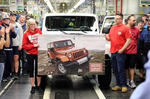 Fiat-Chrysler Stop Produksi JK Wrangler