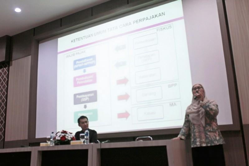 Seminar Tinjauan Terhadap Riset Perpajakan dan Keuangan. Foto: Dok. UKDW