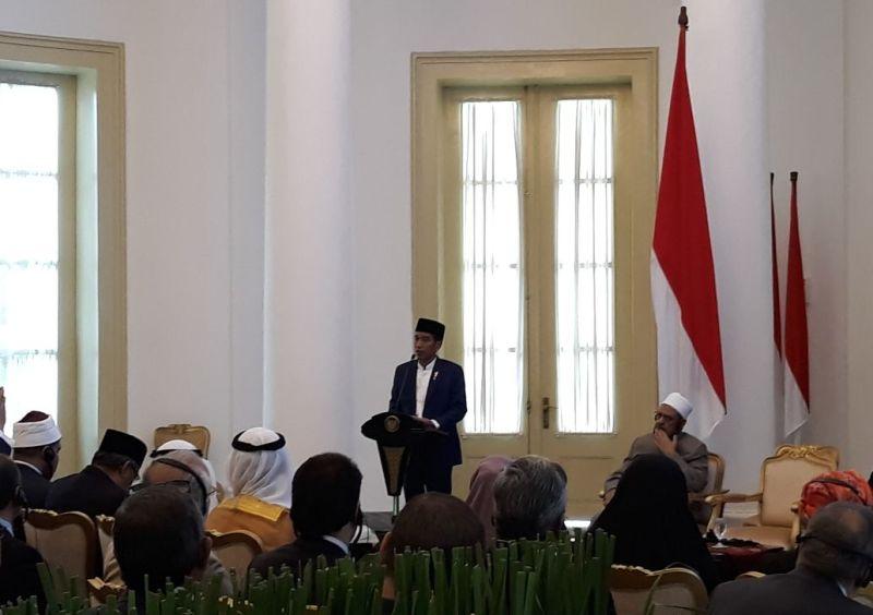 Presiden Joko Widodo membuka Konsultasi Tingkat Tinggi Ulama se-Dunia di Bogor, 1 Mei 2018 (Foto: Marcheilla Ariesta),