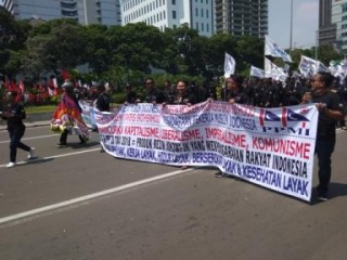 Massa <i>May Day</i> Bubarkan Diri dari Istana