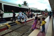 Selain Bandara, Kereta Minangkabau Ekspres Juga 'Hantar' Warga ke Kantor