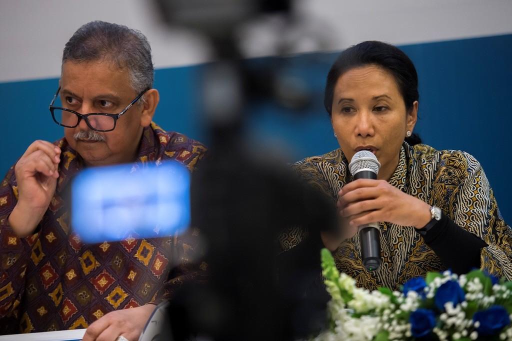 Dirut PLN Sofyan Basir (kiri) dan Menteri BUMN Rini Soemarno. (FOTO: ANTARA/Widodo S Jusuf)