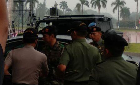 Presiden Joko Widodo mengenakan seragam TNI/Medcom.id/Fikar