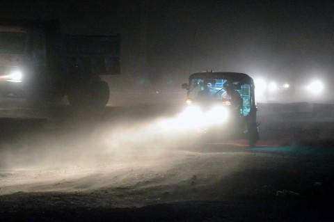 Badai Debu Tewaskan 125 Warga India