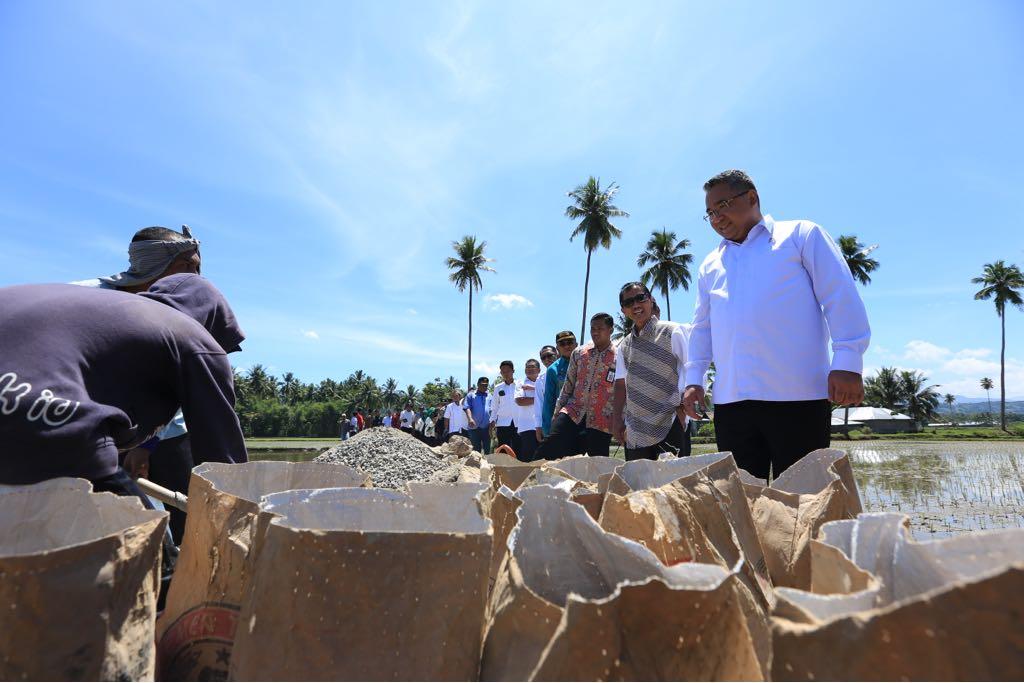 Mendes PDTT Eko Putro Sandjojo melakukan kunjungan kerja di Kabupaten Gorontalo, Provinsi Gorontalo, Sabtu, 5 Mei 2018 (Foto:Dok)