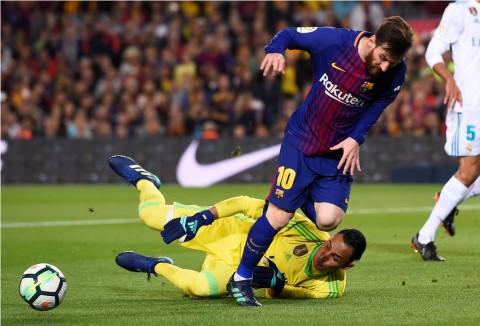 Real Madrid Gagal Kalahkan 10 Pemain Barcelona