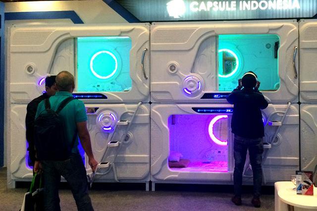 Kapsul tidur yang diimpor dalam bentuk CKD dari Tiongkok ini punya desain futuristik.