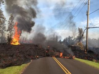 Puluhan Rumah Hancur Akibat Terjangan Lava Gunung Kilauea