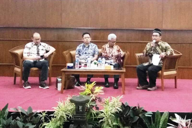 Ketua PGO Faransyah Jaya, Direktur Eksekutif Laznas Al Azhar Sigit Iko Sugondo, serta Deputi Direktur Departemen Ekonomi dan Keuangan Syariah Bank Indonesia Dwiyanto (Foto:Anggi Tondi Martaon)