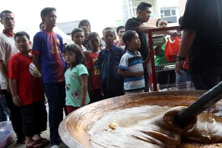 Warga memadati Festival Condet. Foto: MI/ Galih Pradipta
