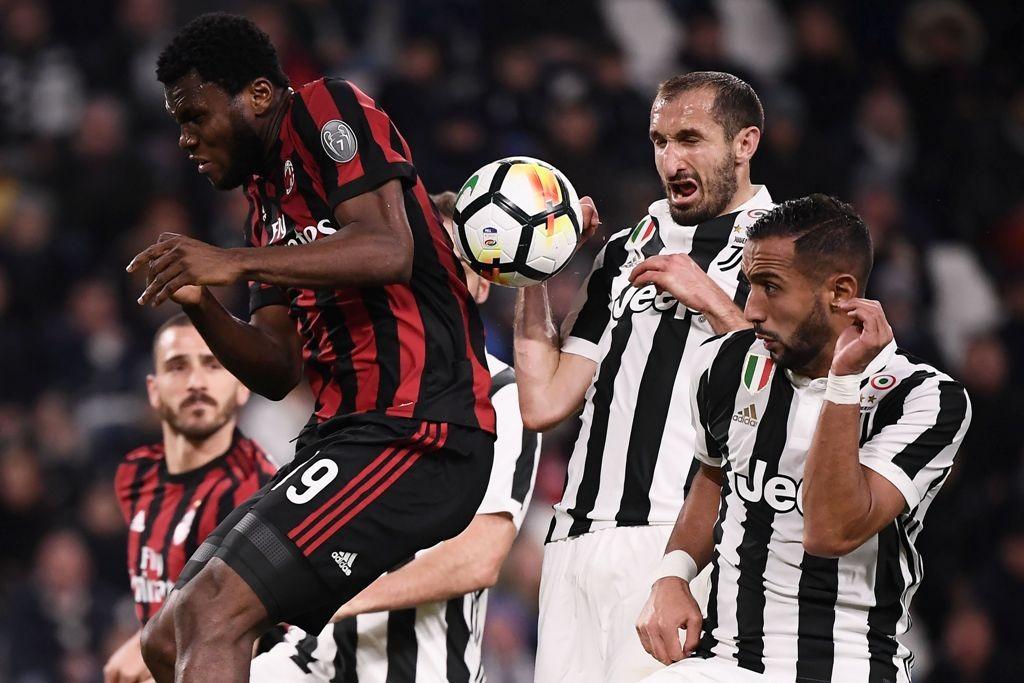 Suasana laga Juventus vs AC Milan. (AFP PHOTO / MARCO BERTORELLO)