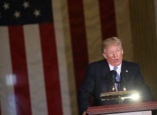Trump Sambut Baik Pembebasan Tahanan AS oleh Korut