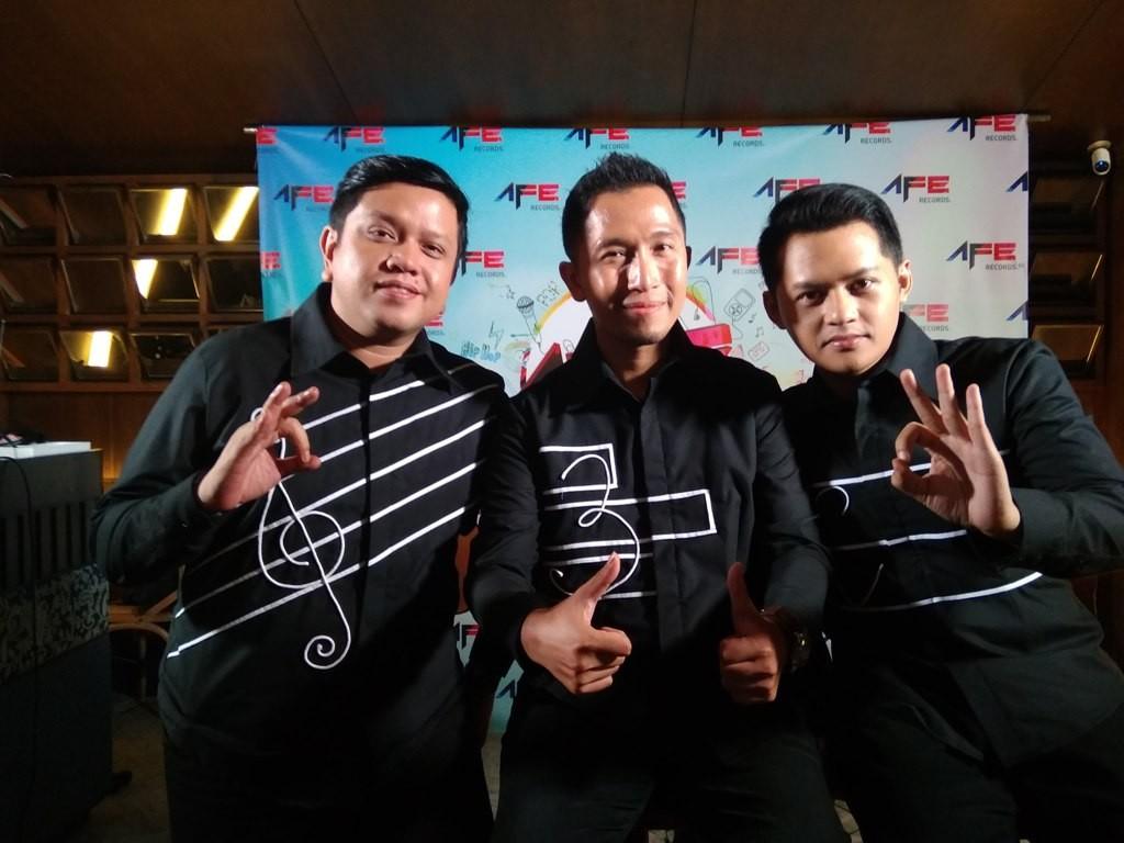 Trio komposer Indonesia Bemby Noor, Mario Kacang, dan Tengku Shafick dikenal sebagai peramu nada-nada romantis untuk lagu melankolis. (Foto: Cecylia Rura)
