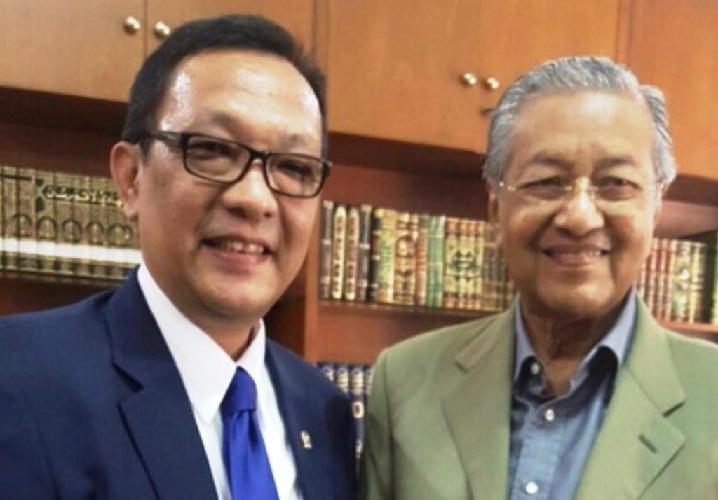 Anggota DPD RI Dailami Firdaus dan Mahathir Mohamad (Foto:Dok)
