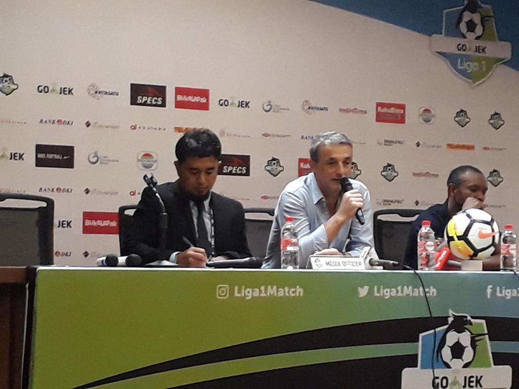 Milomir Seslija (tengah). (Foto: medcom.id/Patrick Pinaria)