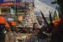 Jelang Ramadan, Warga Yogyakarta Gelar Kirab Grebeg Takjil