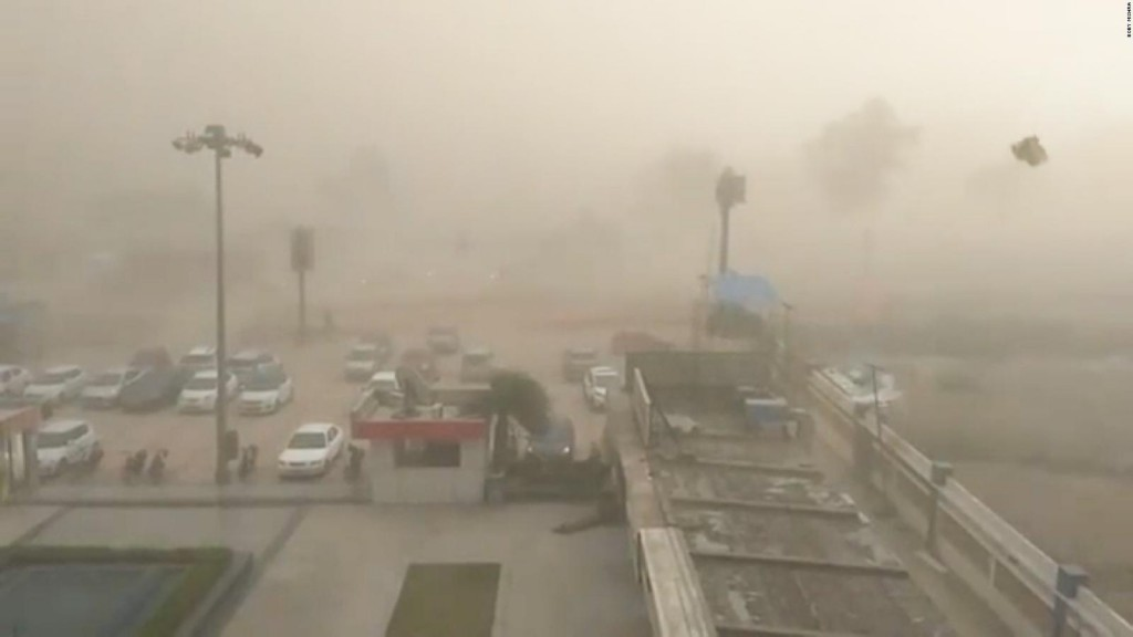 Badai debu melanda India. (Foto: CNN)