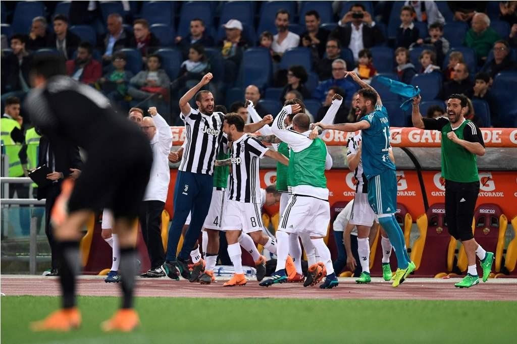 Perayaan keberhasilan Juventus meraih Scudetto (AFP PHOTO / Filippo MONTEFORTE)