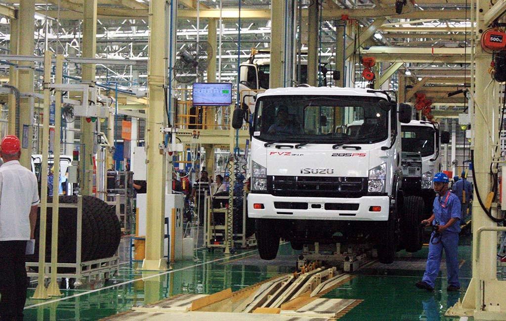 New Isuzu Giga sudah menggunakan mesin diesel common rail. ANTARA FOTO/M.Ali Khumaini
