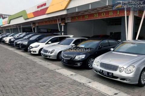 <i>Showroom</i> Mobil Bekas, Perbanyak Stok Mobil Keluarga