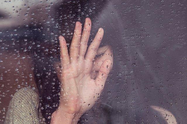 Ada beberapa cara untuk mengatasi depresi pascamelahirkan. (Foto: Milada Vigero/Unsplash.com)